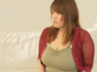 지방 아시아의 소녀 와 큰 가슴