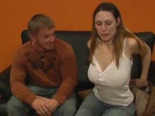 大 自然 titted hottie gets 她的 屁股 性交