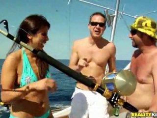 Fisherwoman gets kacau dan creamed