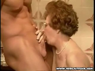 mormor, granny, avsugning