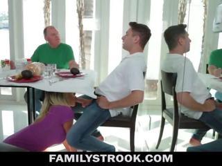 אמא חורגת וידאו - חזה גדול צעד אנמא fucks בן