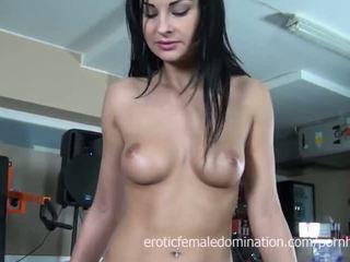 bruneta, masturbovat, euro