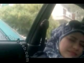 E ëmbël arab në hijab masturbating-asw960