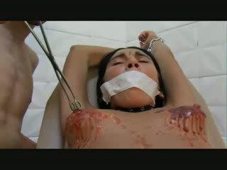 Vyzreté dievča hardcore pička týranie