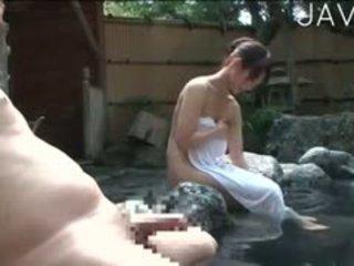 日本, 大胸部, 口交