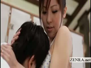 দুধাল মহিলা জাপানী sultress harumi asano has পাছা suckled