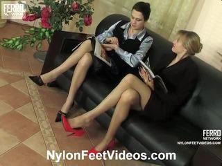 Dolly और joanna नॅस्टी नाइलॉन फीट वीडियो कार्रवाई