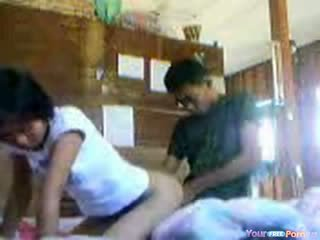 Warga thai babe premature creampie