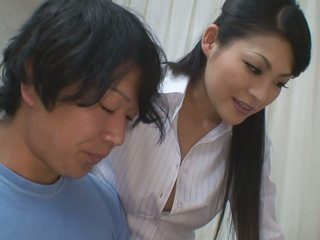 เด็กผู้ชาย gets ขึ้น กว่า ช่วย สำหรับ ของเขา studies จาก ร้อน คุณครู ผู้หญิงสวย