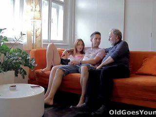 पुराना goes युवा: टीन sveta गड़बड़ द्वारा पुराना आदमी