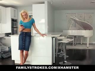 blondes, rawatan muka, tits kecil