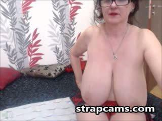 μελαχροινή, μεγάλα βυζιά, webcam
