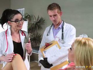 Met aaliyah liefde s regular physician retiring ze