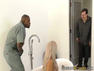 Kukolds boyfriend watches nina elle gets fucked līdz bbc