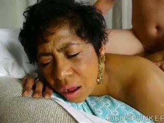 Super seksikäs läkkäämpi musta bbw on a hyvin kuuma naida: porno 71