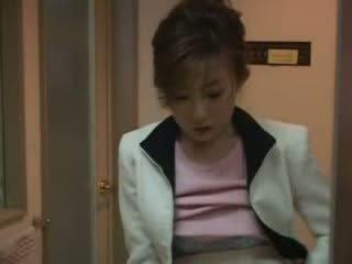 Japán anya elcsípett nephew faszkiverés videó
