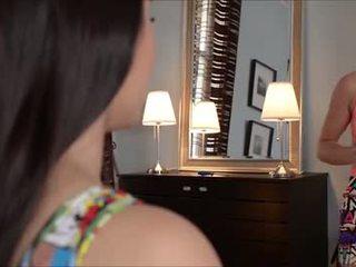 امرأة سمراء, الجنس عن طريق الفم
