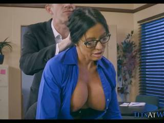 Panterona cheats su suo marito a lavoro, hd porno 5b