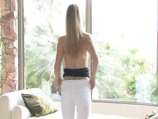 Danielle acquires undressed kemudian uses beliau mainan pada beliau faraj