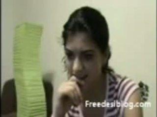 อินเดีย หญิง แสดง หน้าอก ที่ เว็บแคม ใน คุย