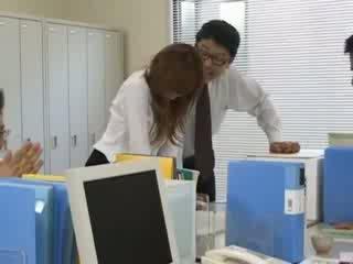 Tokyo secretara de la tokyo cu fund lapte