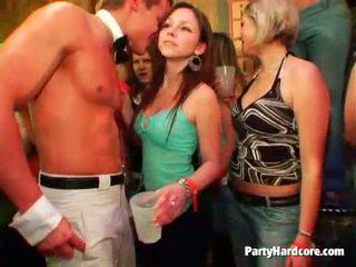 醉 青少年 bitches got roughly 性交 在 一 俱樂部