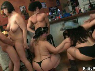 Grand seins groupe fête sexe