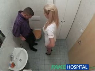 Fakehospital 간호사 sucks 형사 용 정액 견본
