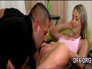 Virgin goddess shows prostitutė