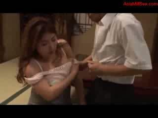 脂肪 巨乳 媽媽我喜歡操 giving 口交 getting 她的 奶 性交 的陰戶 licked 由 丈夫 上 該 地板 在 該 室