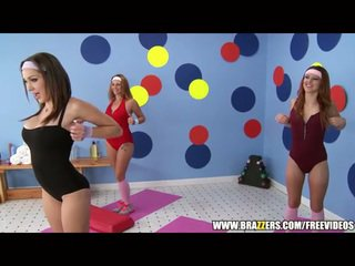 Aerobics instructor loves 大きい ディック
