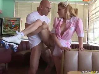 Lexi belle padavėja wearing rožinis uniforma pakliuvom geras video