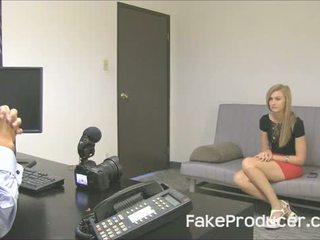 Uzyn blondinka alexa grace sordyrmak off fakeproducer and swallowing gutarmak