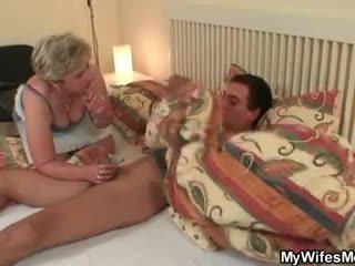 Wife goes crazy when caught him cheati...