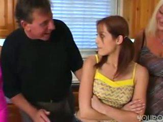 Gammal steg pappa seduced ung söt tonårs dotter