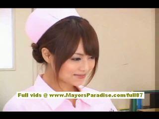 Akiho yoshizawa seksual aziýaly şepagat uýasy enjoys teasing the doktor