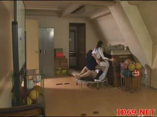 Japonesa av gaja em bondage furniture