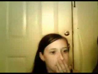 Mladý dívka sucks černý cock-shesoncam.com