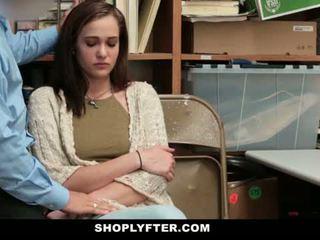 Shoplyfter - موم و ابنة اشتعلت و مارس الجنس إلى stealing