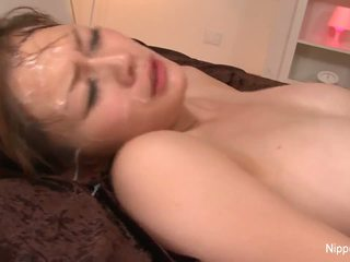 Groß titty mieze gets drenched im wichse