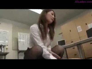 Office lady riding on guy cum to ass on the floor in the off