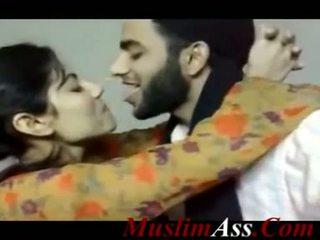 Pakistánske bozkávanie klip