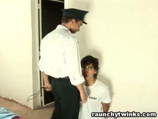 Αδύνατος/η tw-nk tastes φυλακή guard's μεγάλος χοντρός/ή καβλί