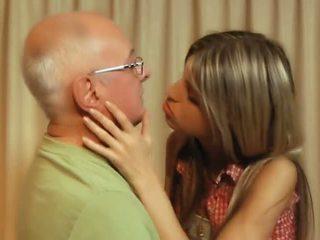 Gina gerson पुराना आदमी ऑफीस बकवास - पॉर्न वीडियो 291