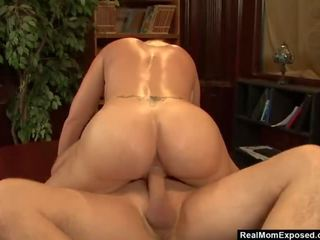Realmomexposed - Big-boobed Librarian Has Dirty Mind and Horny Pussy