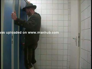 একটি bavarian gets serviced