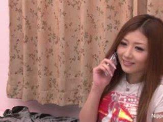 Innocent japans meisje gets haar eerste taste van piemel