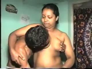 Desi aunty майната: безплатно индийски порно видео 7b