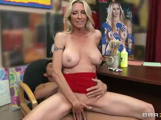 Big Tit Mom Hot For Cock