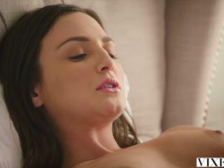 Vixen Com Hot Babysitter Fucked by Her Boss: Free Porn 1c